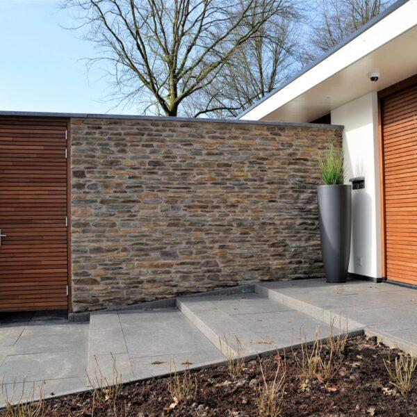 Afscheidingsmuur luxe villa - Blumone Steenstrips,.