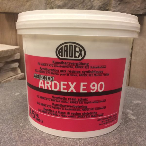 Bak met Ardex E90.