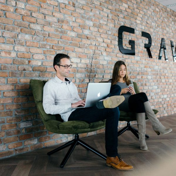 Foto Rianne Fotografie. Reemst Dienstverlening heeft de baksteenstrips geplaatst bij Gravity te Amersfoort.