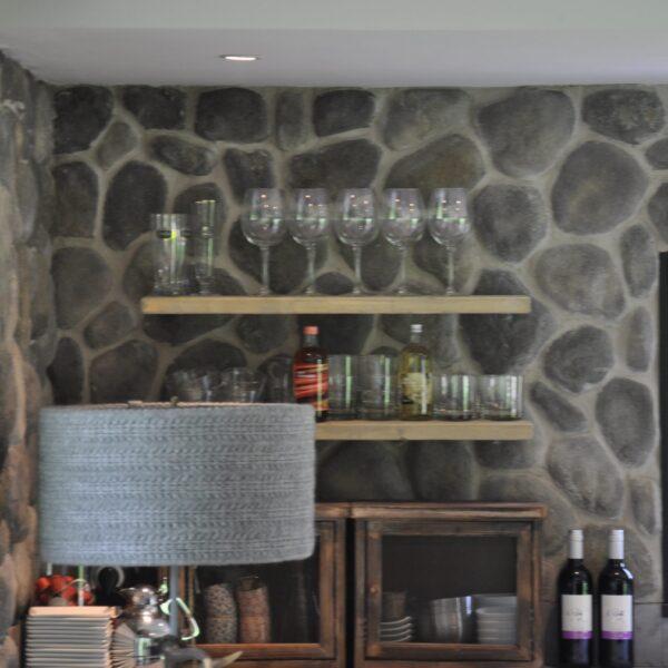 Wand van ronde robuuste steenstrips