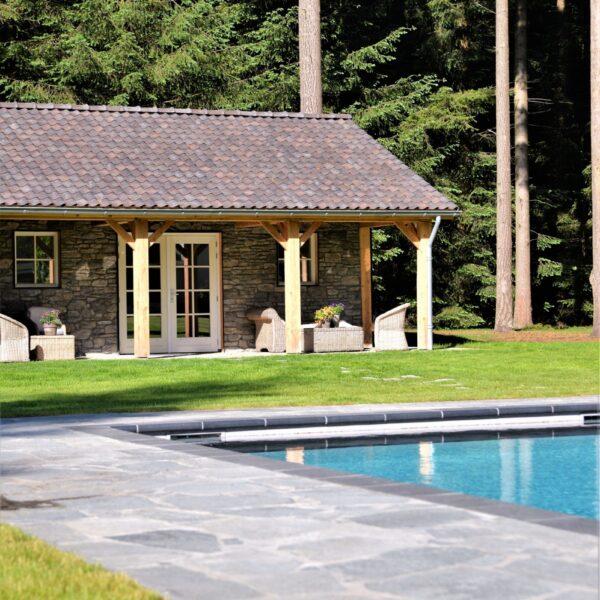 Steenstrips veranda - Flagstones verkrijgbaar via www.flagstones.nl