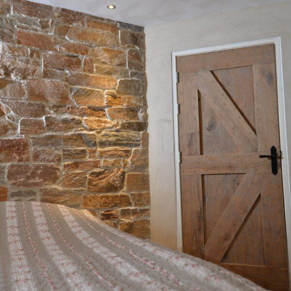 Franse Natuurstenen muren kun je zo zelf ook realiseren. Met Rocks verkrijgbaar in alle kleuren en formaten!