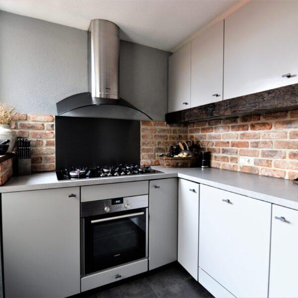 Keuken restylen met Steenstrips.