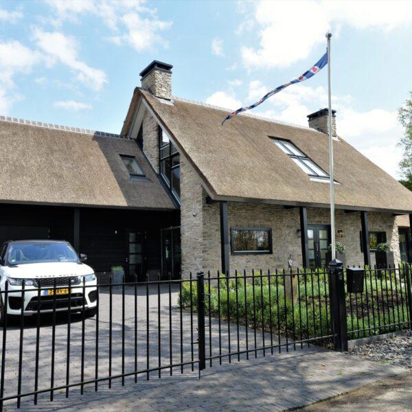 Luxe huizen met Natuursteen.