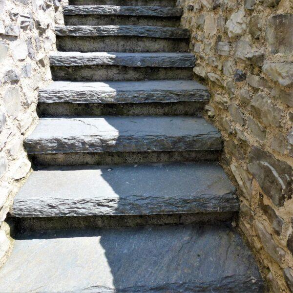 Natuurlijke trappen Natuursteen.