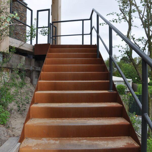 Cortèn stalen trap. Zelf laten maken