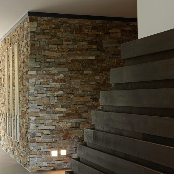 Natuurstenen decoratieve muren.