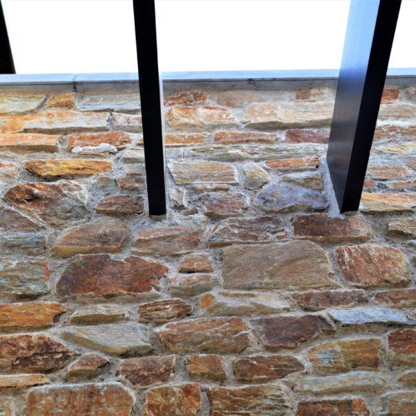 Nieuwe gevelafwerkingen met Rocks Brons Rustiek.