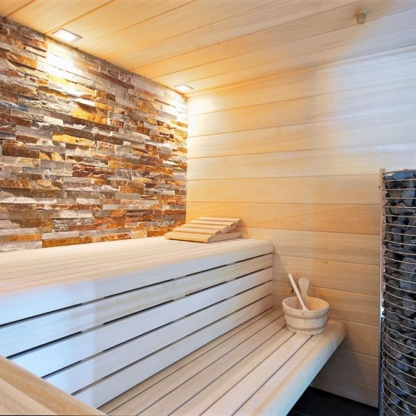 Steenstrips in de sauna.
