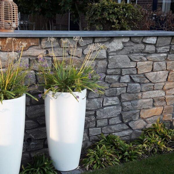 Rocks Steenstrips zijn zeer geschikt voor het bekleden van tuinmuren