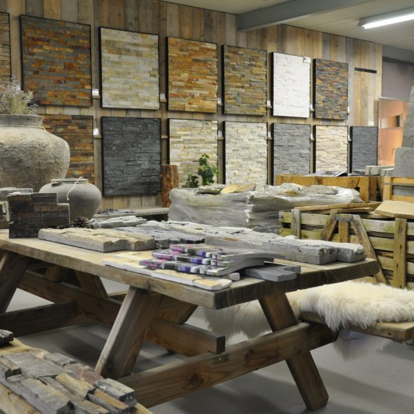 Showroom The Flagstone Company.