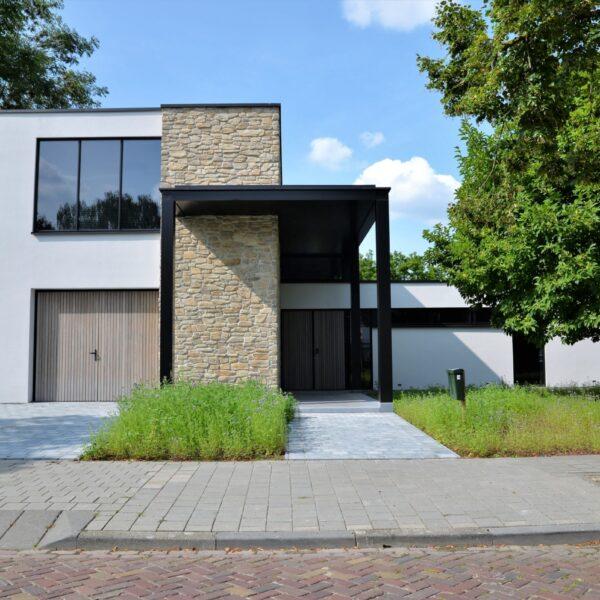 Steenstrips modern en duurzaam huis.