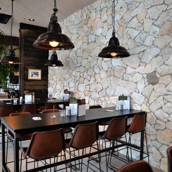 Steenstrips Rocks Restaurant Loetje Rotterdam.