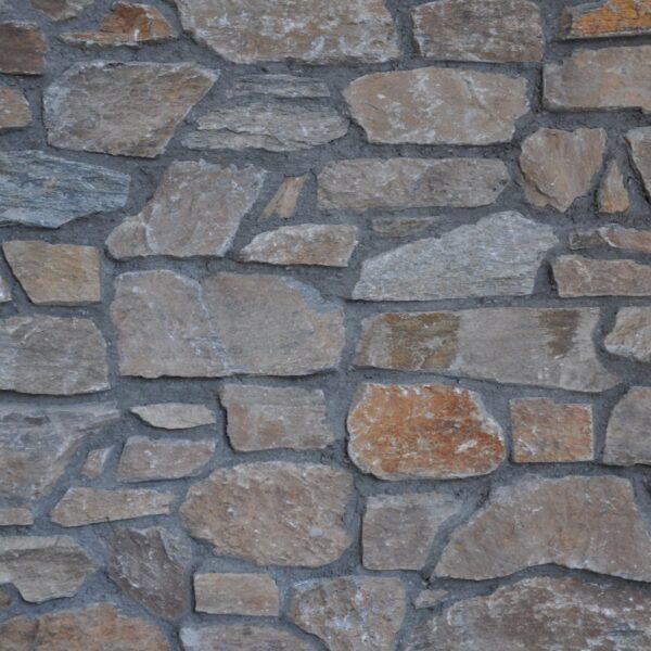 Detailsfoto Steenstrips donkere voeg