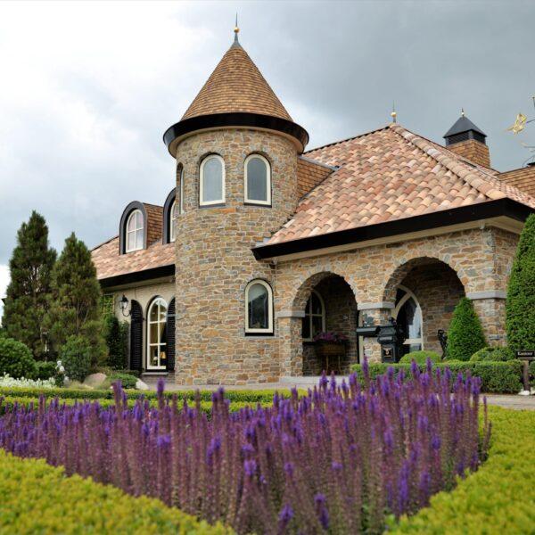 Rocks Brons Rustiek verwerkt bij Spaanse villa.