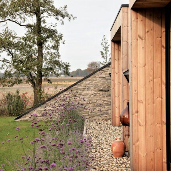 Duurzame Steenstrips op de gevel - huis dat duurzaam gebouwd is