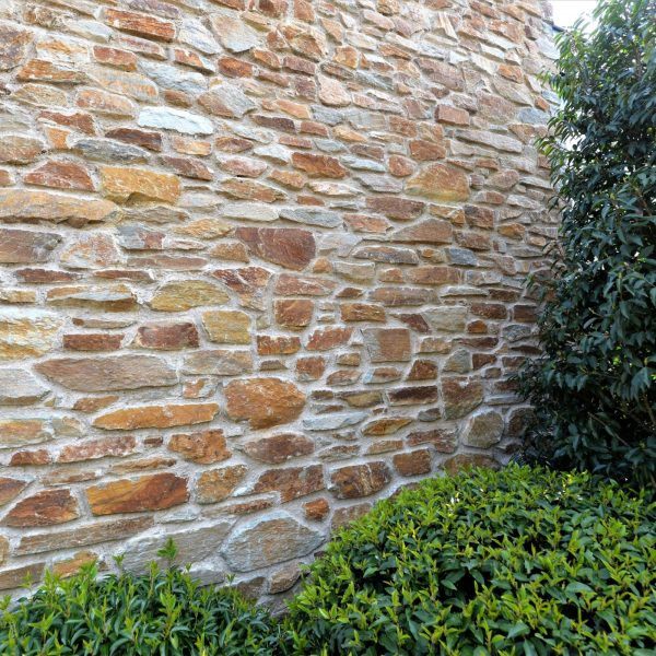 Tuinmuren met Rocks Steenstrips.
