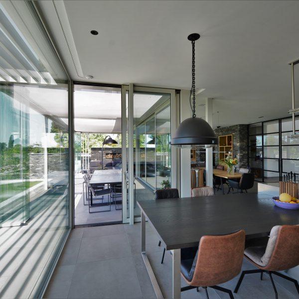 Binnenkant woning. Architect Pieter van Dam.