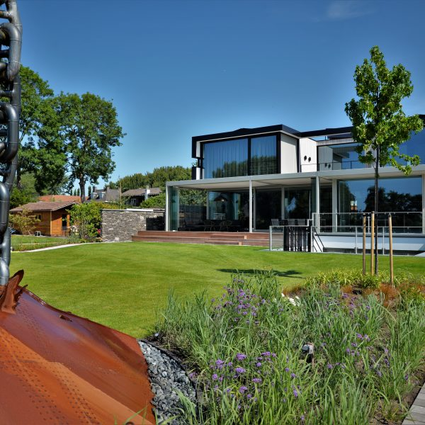 Stijlvolle woning door architect Pieter van Dam.