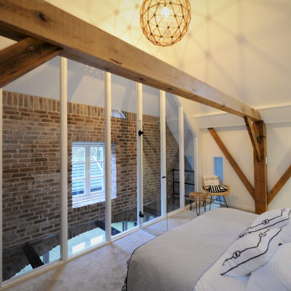 Steenstrips baksteen in de slaapkamer