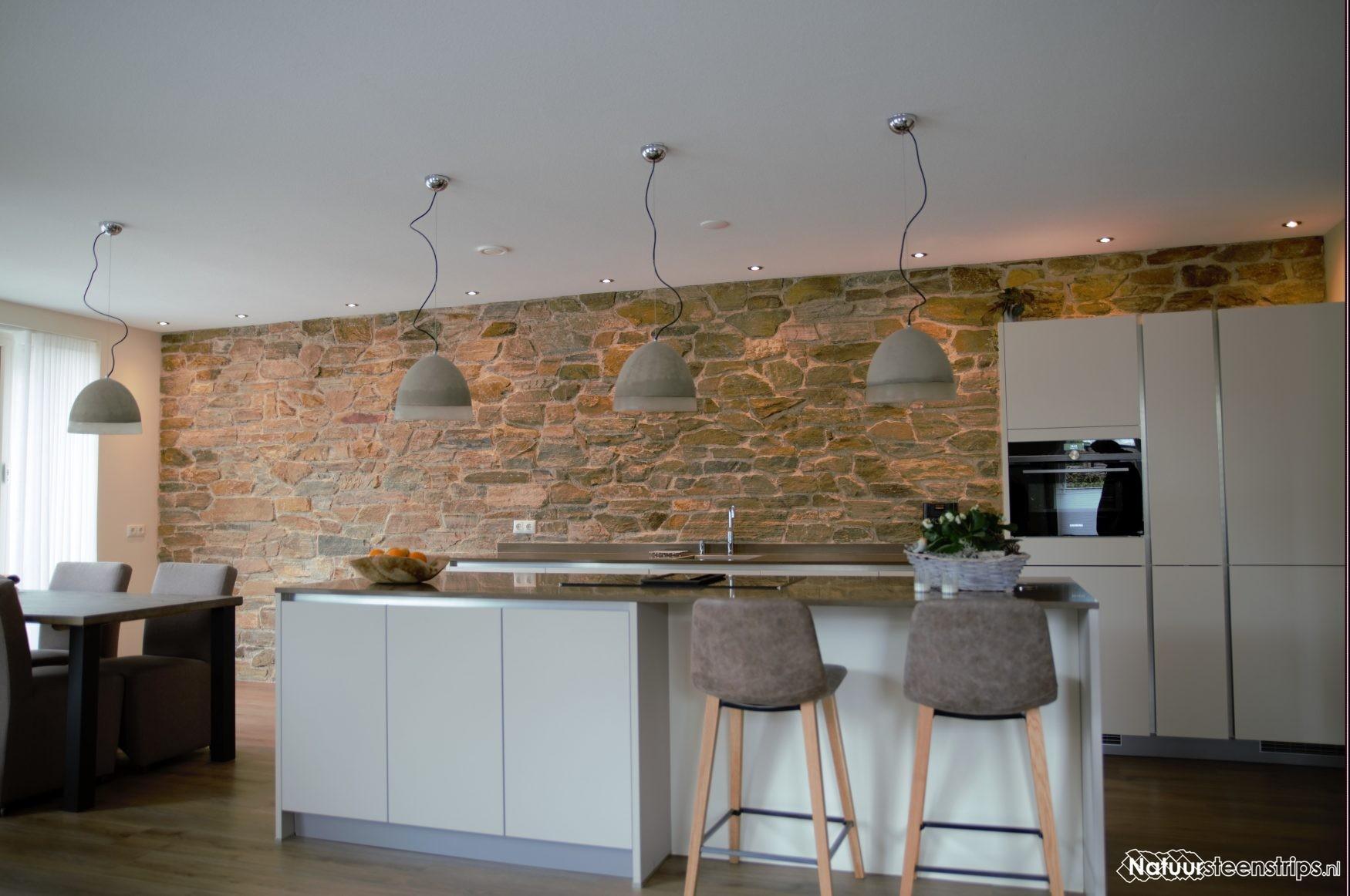 Keukenwand Met Rocks Natuursteenstrips