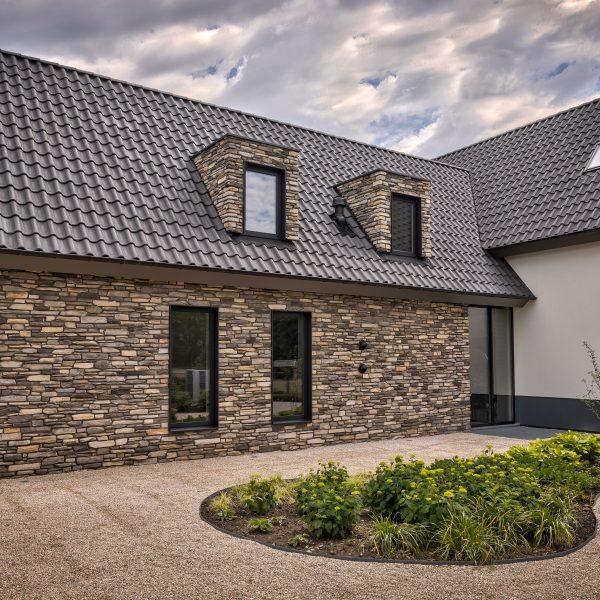 Steenstrips aanbouw villa
