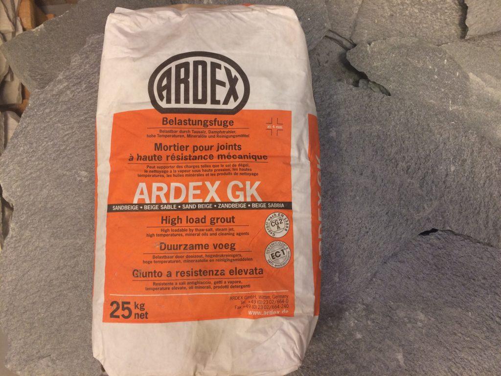 Ardex zandbeige voegmateriaal