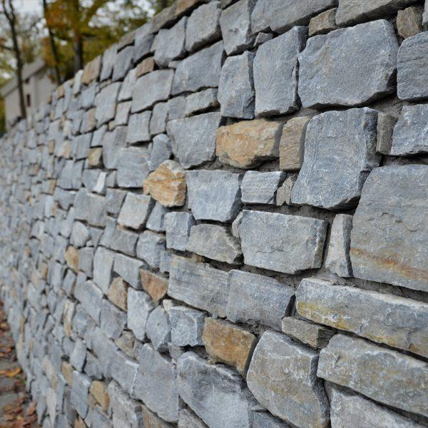 Stenen muur station Driebergen-Zeist