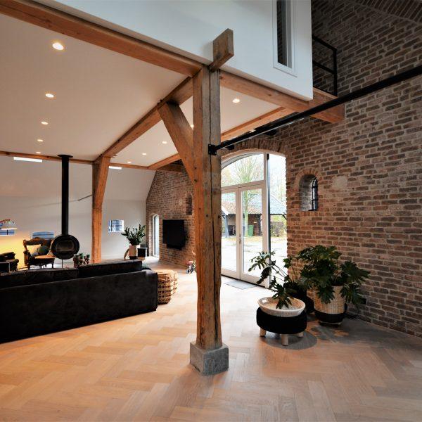 Casale Baksteenstrips binnenmuur van de woonkamer