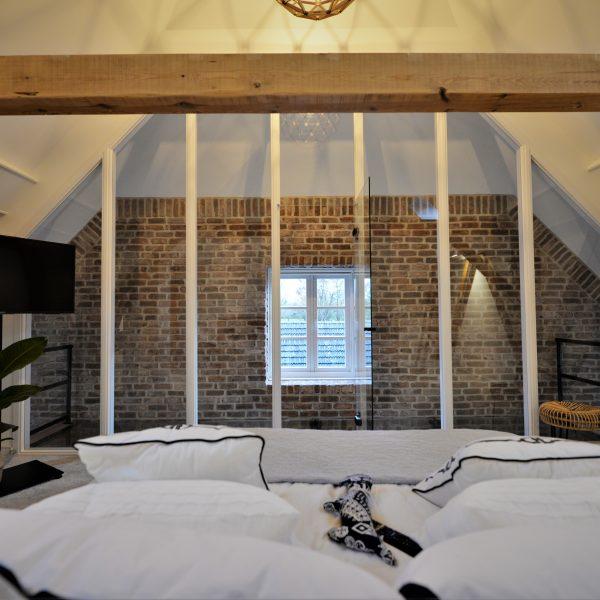 Slaapkamer muur bedekt met Casale Baksteenstrips