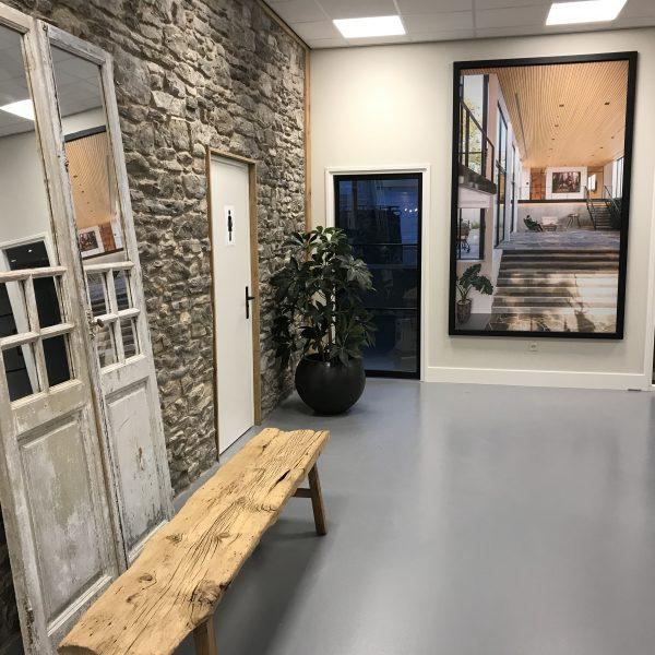 De Cascata Steenstrips in de nieuwe showroom