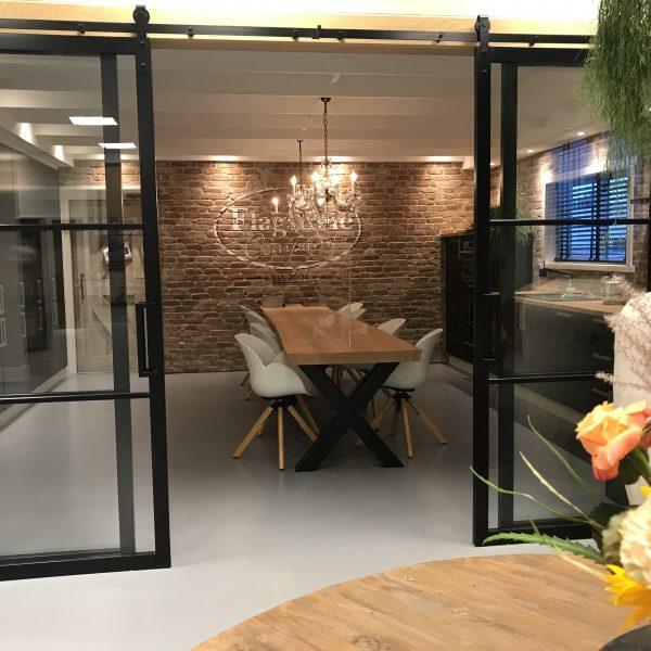 De keuken in het nieuwe pand van The Flagstone Company