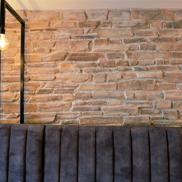 Sfeervolle muur met Steenstrips