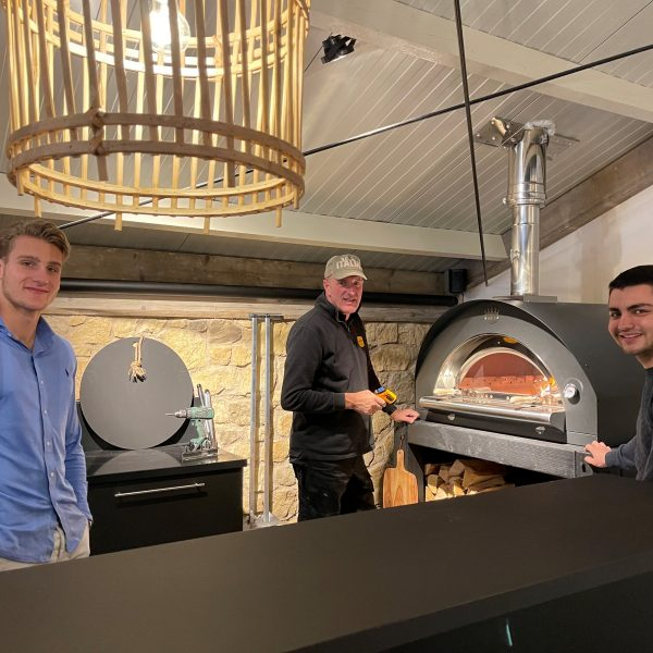 Pizzaoven in het Flagstone Café