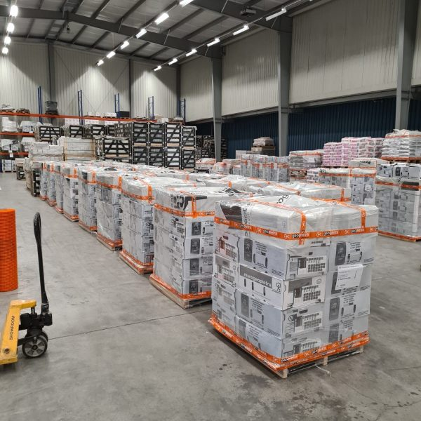 Verpakking van de Geopietra goederen - The Flagstone Company