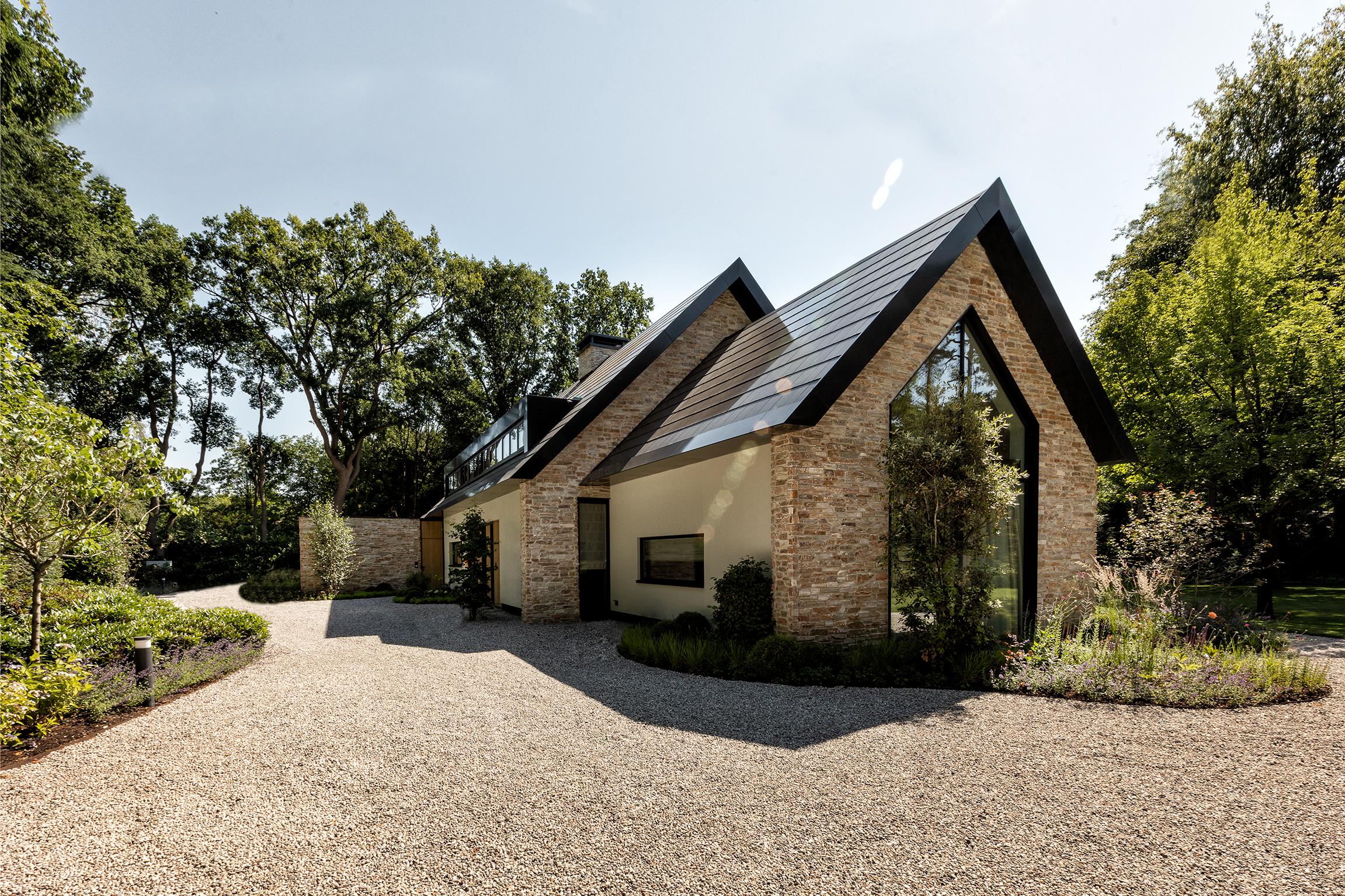 Villa met Rocks Steenstrips - J. van der Windt B.V.