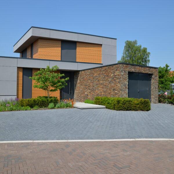 Kubistische villa met Steenpanelen