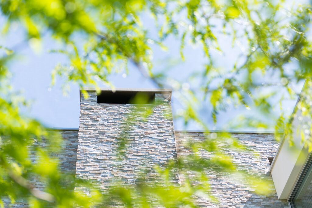Schoorsteen met Steenstrips | Boxxis Architecten